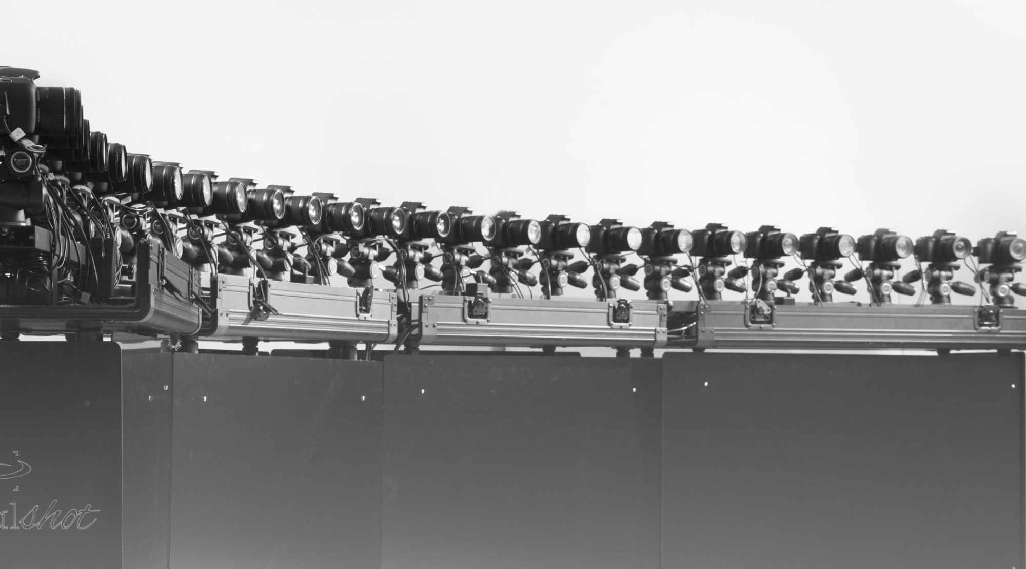 Effetto bullet time fluido con 25 fotocamere